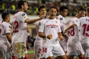 """""""Chicharito"""" anota su primer gol con el Sevilla en la Europa League"""
