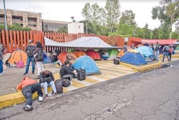 Morenistas complacen a CNTE con pase automático y control de plazas