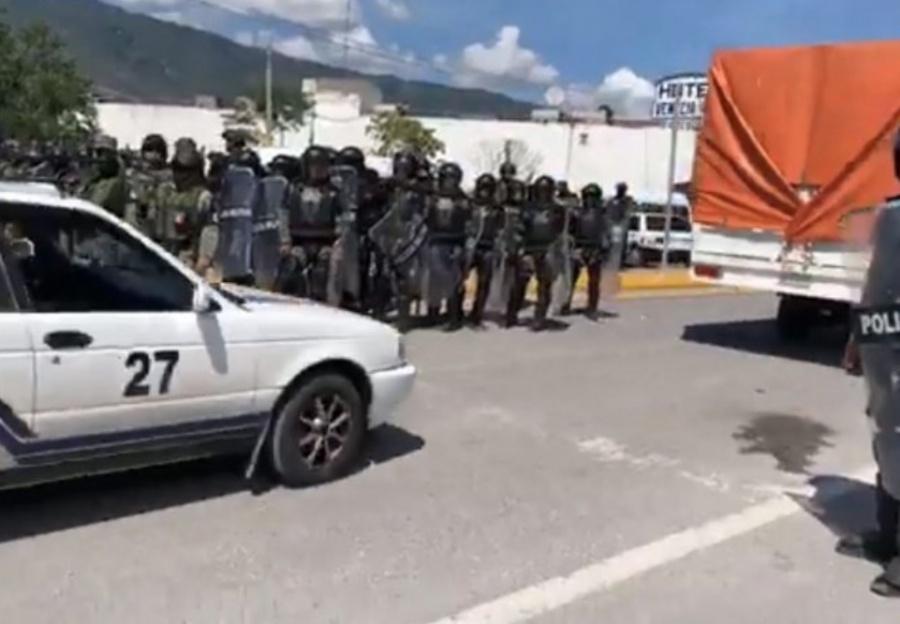 Policía Estatal y la Guardia Nacional retiran bloqueo en la carretera Chilpancingo-Acapulco