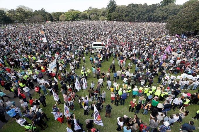 Miles de personas en el mundo protestan contra el cambio climático