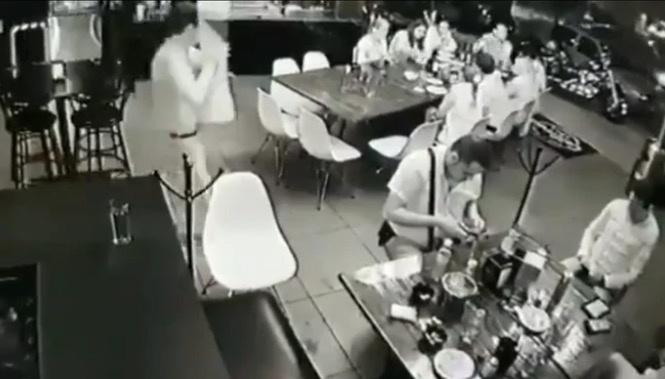 VIDEO: Ataque a bar en Uruapan deja al menos cinco muertos