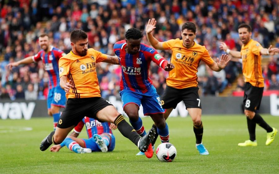 Raúl Jiménez y el Wolverhampton rescatan empate ante Crystal Palace