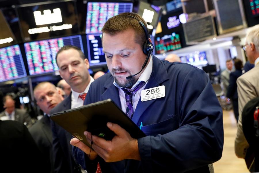 Bolsa de Nueva York empieza la semana en rojo por preocupaciones económicas