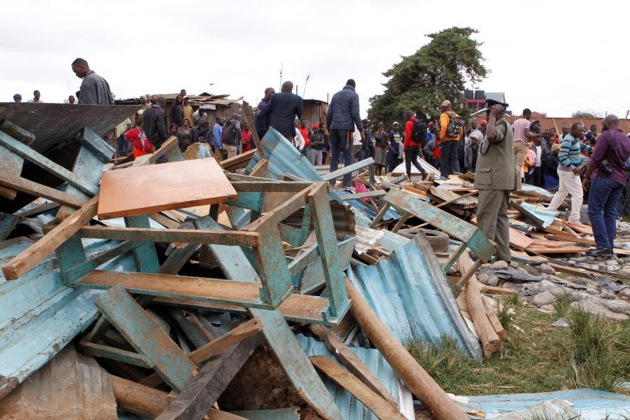 Colapso de escuela en Kenia deja al menos siete niños muertos