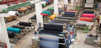 Anuncia AMLO apoyo a industria textil y del calzado