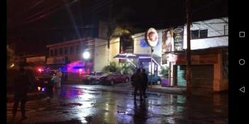 Ataque armado deja dos muertos y tres heridos en bar de Jiutepec, Morelos