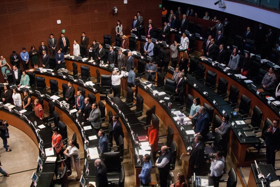 Chocan en el Senado por desaparición de poderes en estados