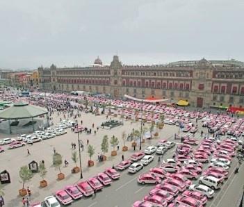 Solo la mitad de taxistas se registró en app de Semovi