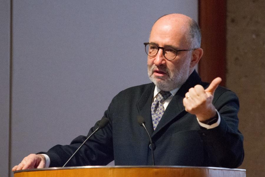 """Lamenta Cossío """"confusión"""" del Presidente sobre amparos contra Santa Lucía"""