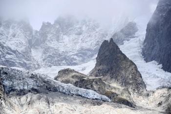 Gigantesco glaciar en Mont Blanc corre riesgo de colapso