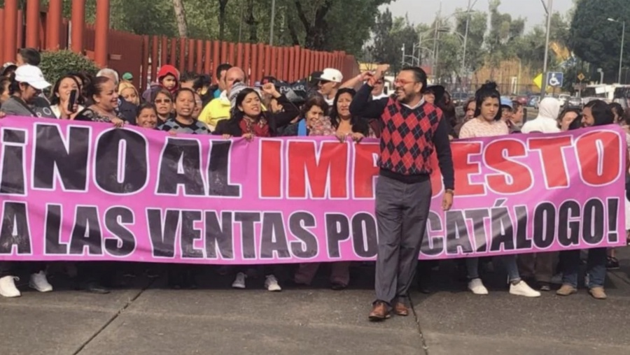 Protestan en San Lázaro vendedores por catálogo