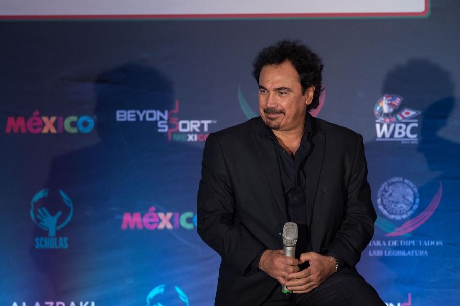 Hugo Sánchez en la mira de Costa Rica