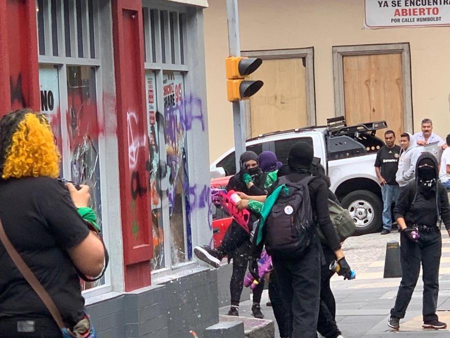Se dan incidentes violentos en marcha Pro Aborto en la CDMX