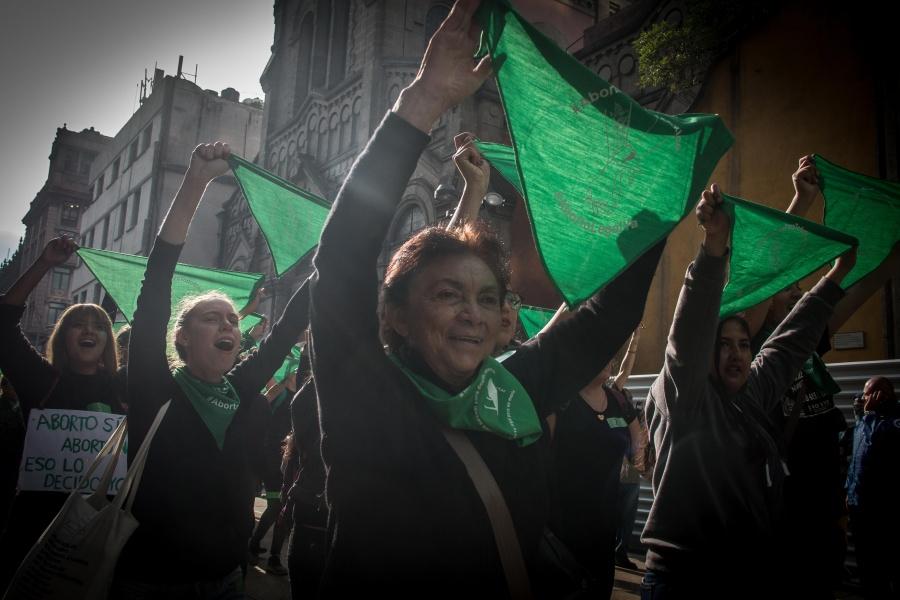 Saldo blanco durante marcha pro aborto en la CDMX