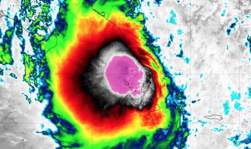 """""""Narda"""" se fortalece y se convierte nuevamente en tormenta tropical"""
