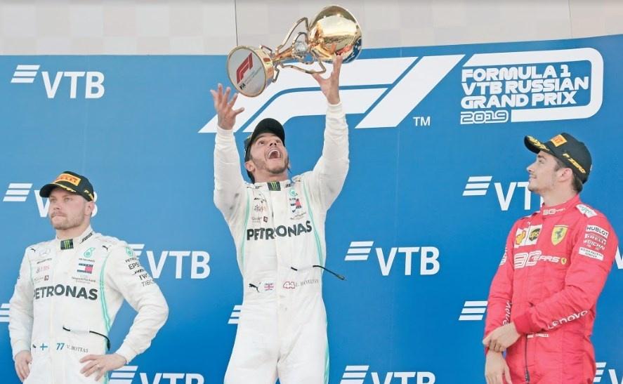 Hamilton gana en Rusia y cosecha 82 victorias