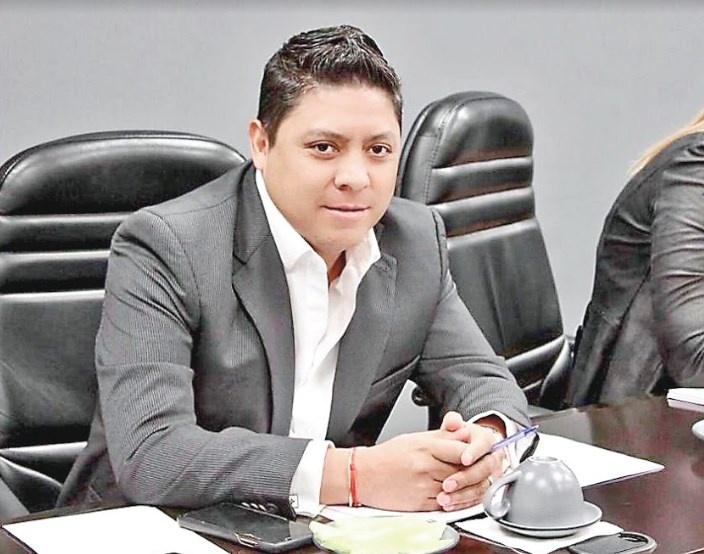 """Golpeteo es pura patada de ahogado"", responde Gallardo"