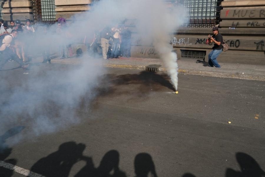 Tensión entre policías y manifestantes durante la marcha