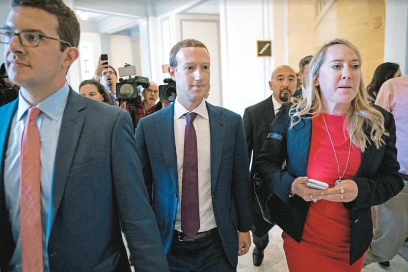 Ve Zuckerberg amenaza en elección de demócrata