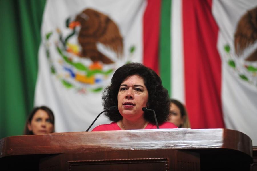 Buscan aumentar licencias de maternidad y paternidad en la capital