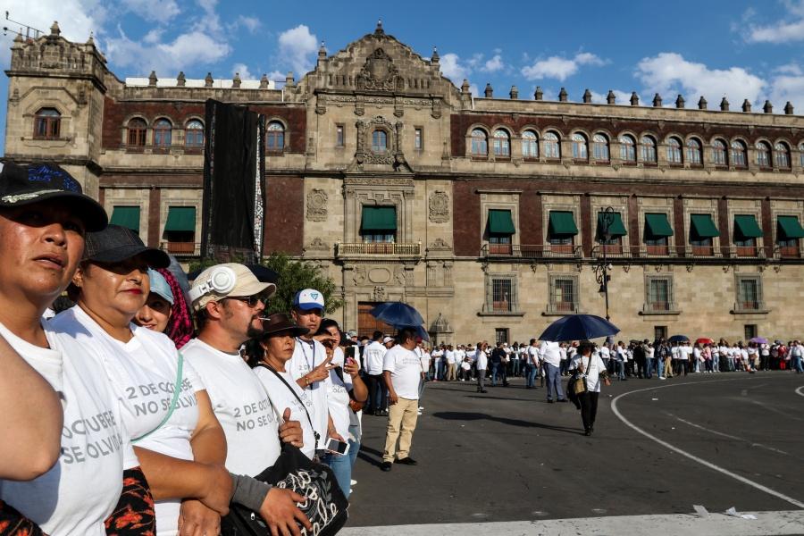 Caen madre e hija al correr de encapuchados durante marcha en Centro Histórico