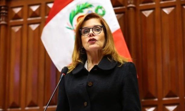 Renuncia Mercedes Aráoz a la presidencia interina de Perú