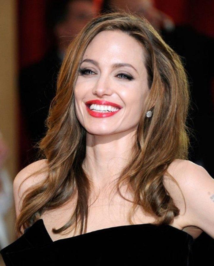 Angelina Jolie viajará a Japón esta semana para ver a su hijo Maddox