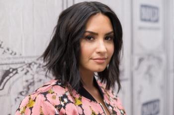 Demi Lovato se disculpa por no informarse mejor antes de aceptar un viaje gratis a Israel
