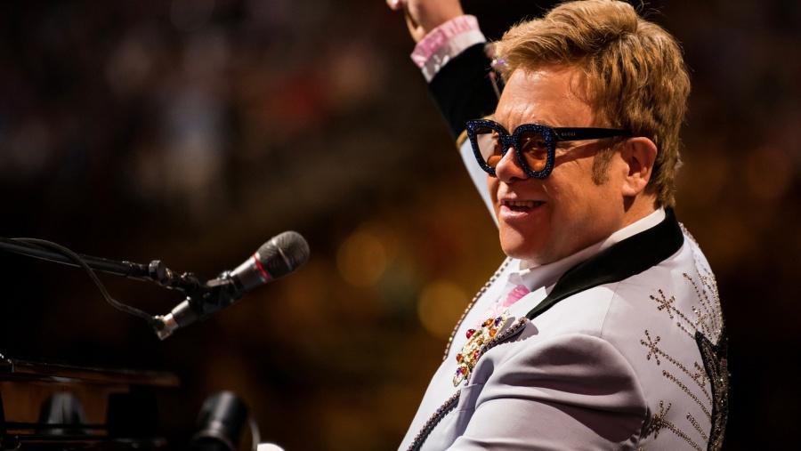 Elton John se plantea seguir actuando tras su supuesta retirada en 2020