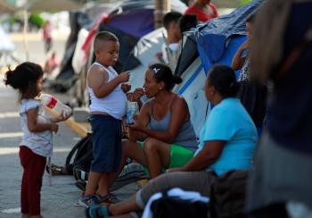 Suspende EU entrada a inmigrantes que no pueden pagar por su salud