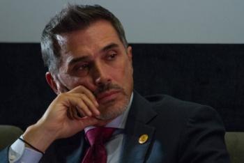 Sergio Mayer buscará convencer a viuda de José José para traerlo a México