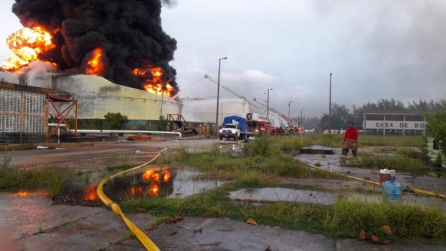 Es controlado el siniestro en la Terminal de Almacenamiento y Servicios Portuarios Pajaritos por Pemex
