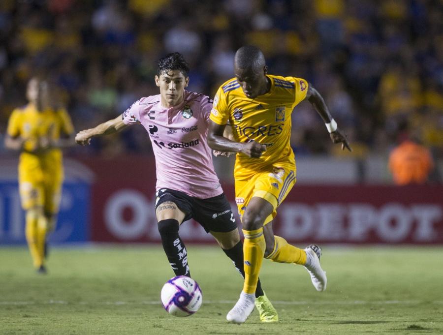 Tigres golea a Santos con dobletes de Gignac y Zelarayán