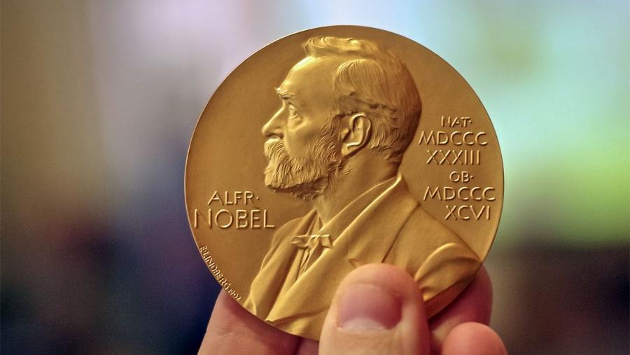 Los Premios Nobel concederán doble medalla en Literatura este año