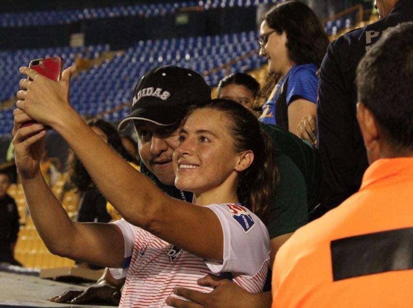 Tigres veta a aficionado que acosó a la jugadora Sofía Huerta
