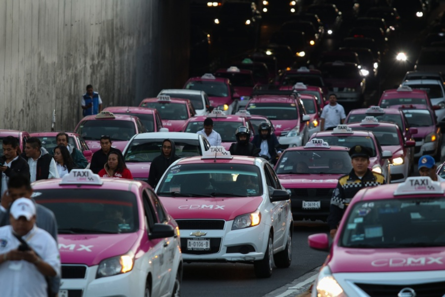 Protestas de taxistas durarían dos días, advierte dirigente