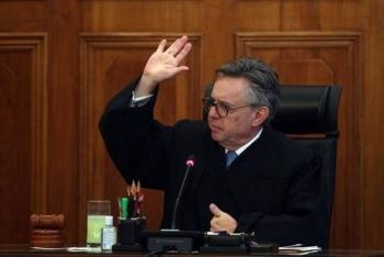 Acude Medina Mora a la SCJN, pero no participa en la sesión