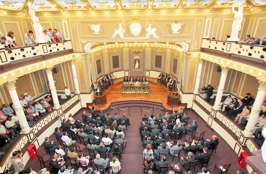 Congreso de Puebla rechaza aborto y matrimonio igualitario