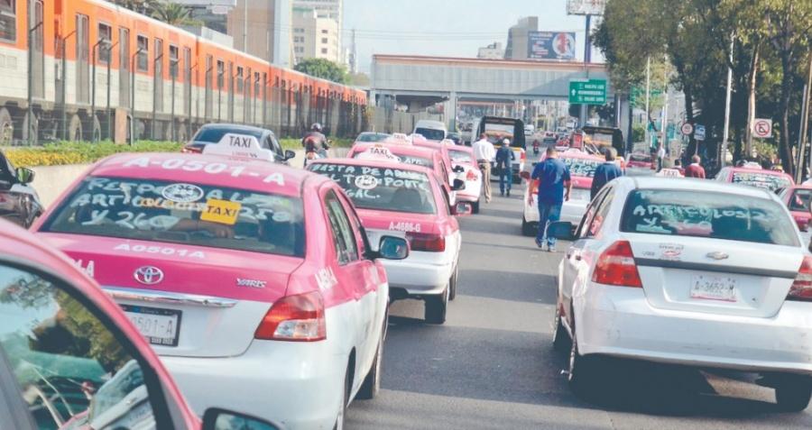 Registran alza de delitos en los taxis capitalinos