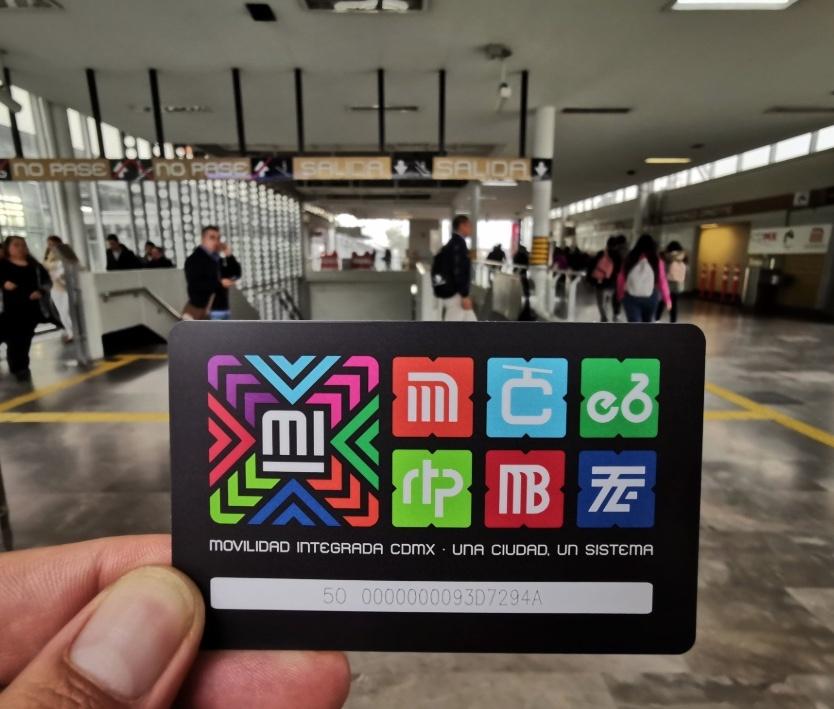 Lanzan nueva tarjeta para el transporte público en la CDMX
