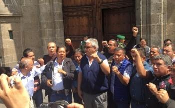 Recibe AMLO a integrantes de la CNTE en Palacio Nacional