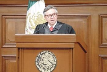 Senado aprueba renuncia de Medina Mora en Fast Track