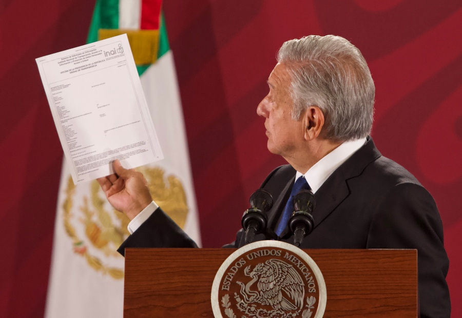 Piden a López Obrador entregar informe médico y psiquiátrico