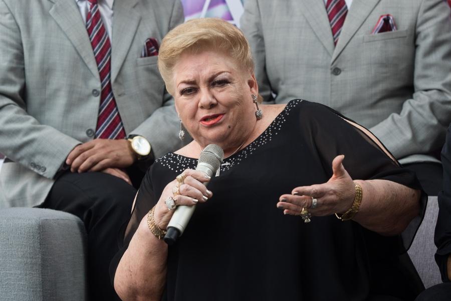 Representante de Paquita la del Barrio niega que se encuentre grave de salud