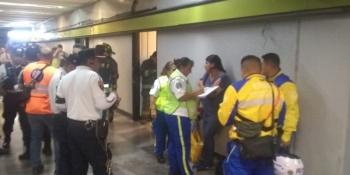 Muere hombre tras arrojarse a las vías del Metro Copilco