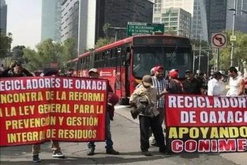 Recicladores bloquean cruce de Reforma e Insurgentes