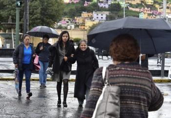 CDMX amanece con lluvia en 10 alcaldías este jueves