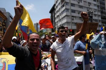 Al menos un manifestante muere en protestas en Ecuador