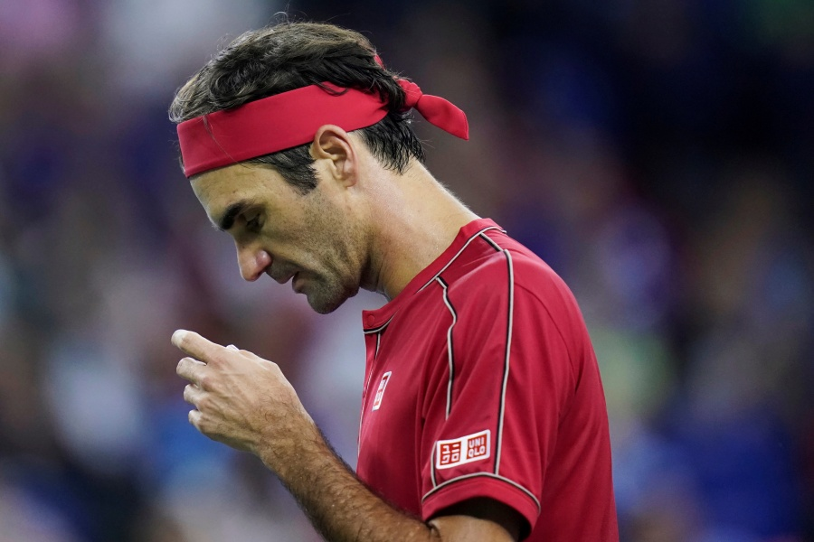 Federer cae ante Zverev y queda eliminado en Shanghái