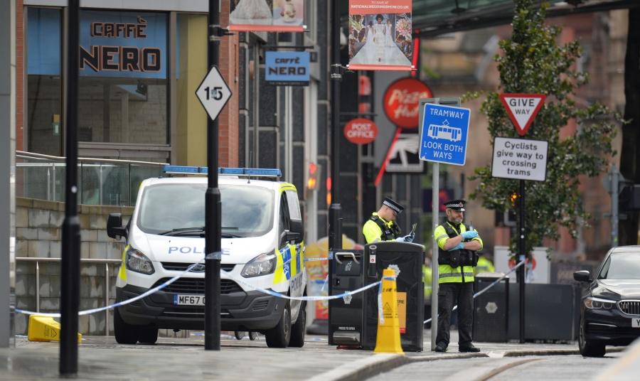 Ataque con cuchillo deja al menos cinco lesionados en Manchester
